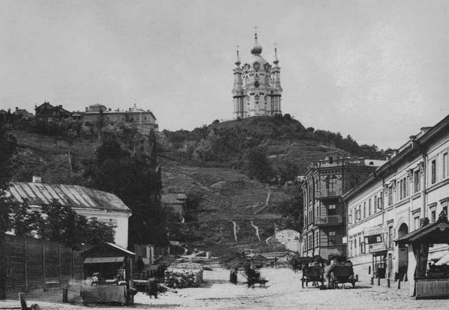 Андреевская церковь, вид с Подола в 1889 году