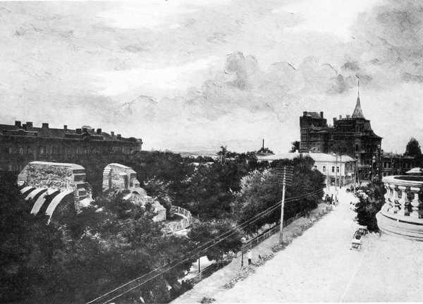 Вид на руины Золотых ворот с Ярославова Вала, конец 19 века