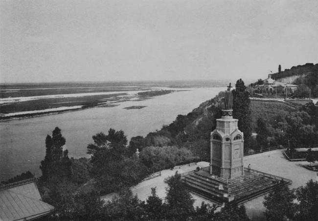 На Владимирской горке в начале 20 века, черно-белое фото