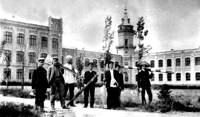 Студенты политехнического института в Киеве в начале 20 века