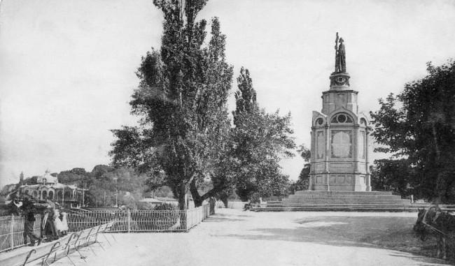 Памятник Владимиру на Владимирской горке в 1906 году