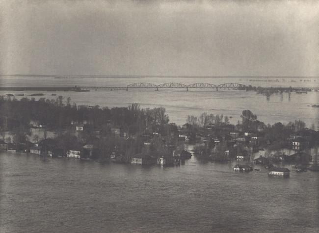 1937 год. Петровский мост во время разлива Днепра. Фото из коллекции Михаила Лифшица.