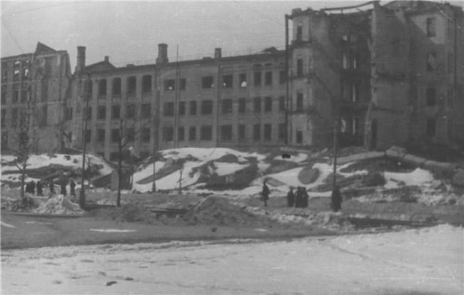 РАзрушенный Крещатик в 1943 году