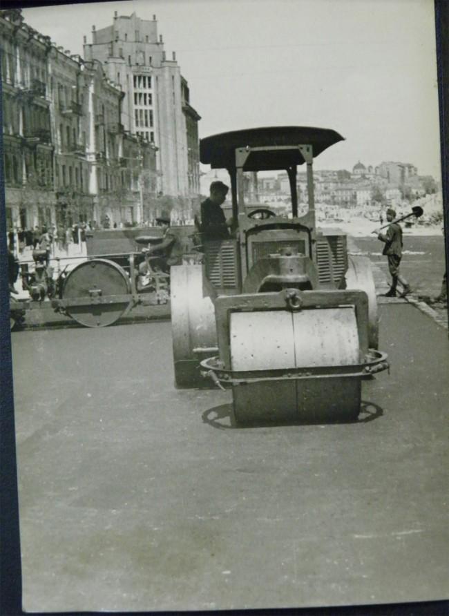 Обновление Крещатика после военных разрушений, 1944 год