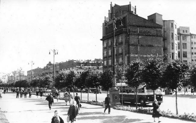 Здание ЦУМа в 1949 году