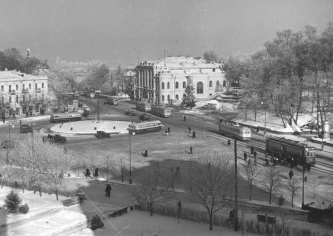 Европейская (Сталина) площадь в 50-х годах 20 века