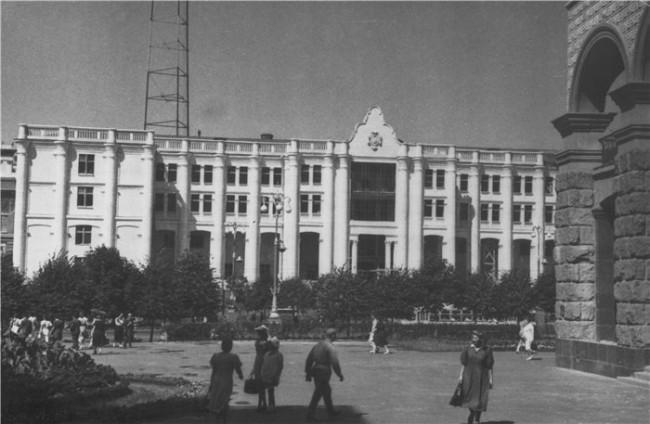 Телецентр на Крещатике в 1952 году