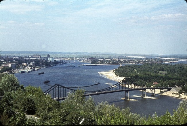 Пешеходный мост в 1964 году