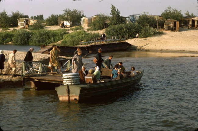 Лодочники у Труханова острова