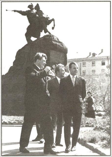 Юрий Гагарин в Киеве в апреле 1966 года