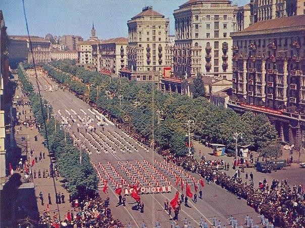 Парад на Крещатике в 80-х годах