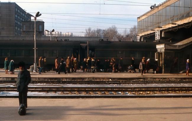 Перрон киевского вокзала 1981 год