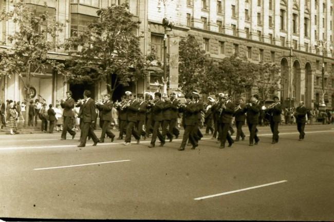 Крещатик в 1987 году. Парад