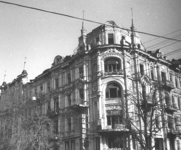 Перекресток Владимирской и Прорезной в 90-х годах, Киев