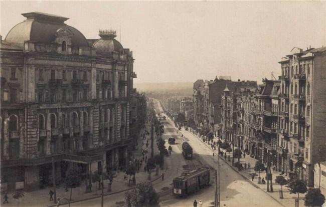Площадь Льва Толстого, ранее Караваевская в начале 20 века