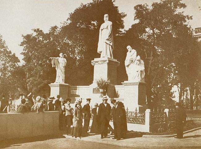 Памятник княгине Ольге в начале 20 века