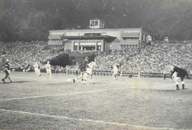 Матч на стадионе Динамо в 30-х годах 20 века