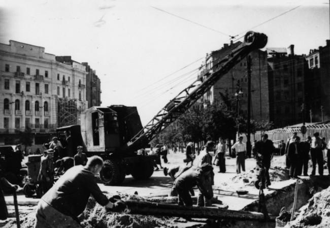 Разобранная площадь Льва Толстого в 40-х годах