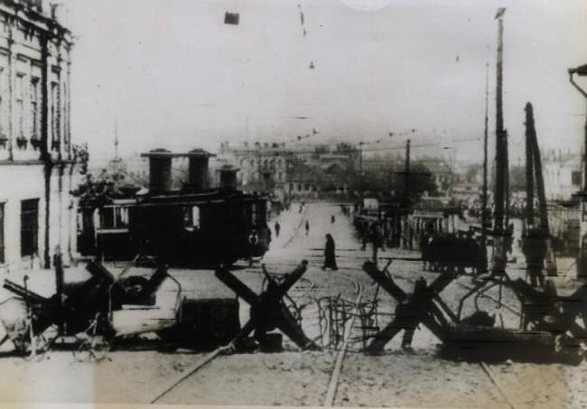 Вид с Бульварно-Кудрявской улицы (ныне Воровского) на площадь Победы и Евбаз, 1943 год, война