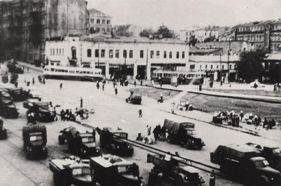 Площадь Победы в 50-х годах