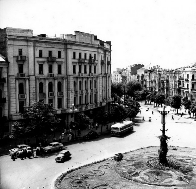 Площадь Льва Толстого и Красноармейская улица в 50-х годах