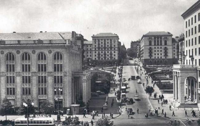 1950-е годы. Прорезная улица (в то время - Свердлова)