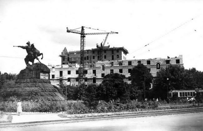 Площадь Хмельницкого в 1955 году
