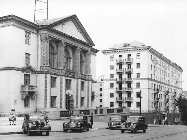 1955 год. Улица Свердлова, 12 (ныне Прорезная)