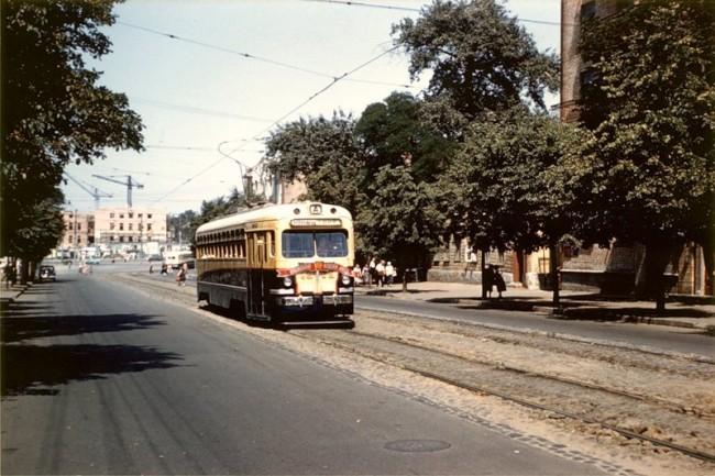 Вдалеке площадь Победы 1959 года