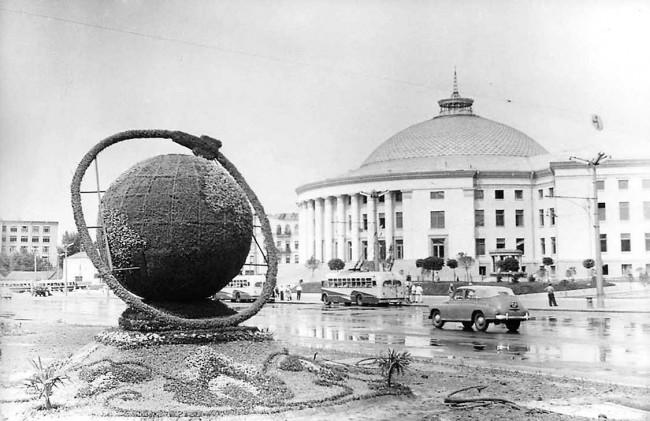 Площадь Победы в Киеве в 60-х годах