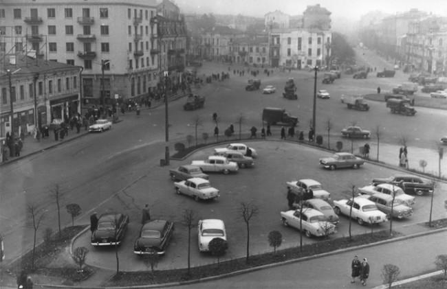 Перекресток Саксаганского и бульвара Шевченко, площадь Победы в 1962 году