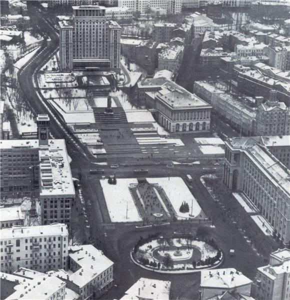 Майдан в 1978 году (нынешняя площадь Независимости)