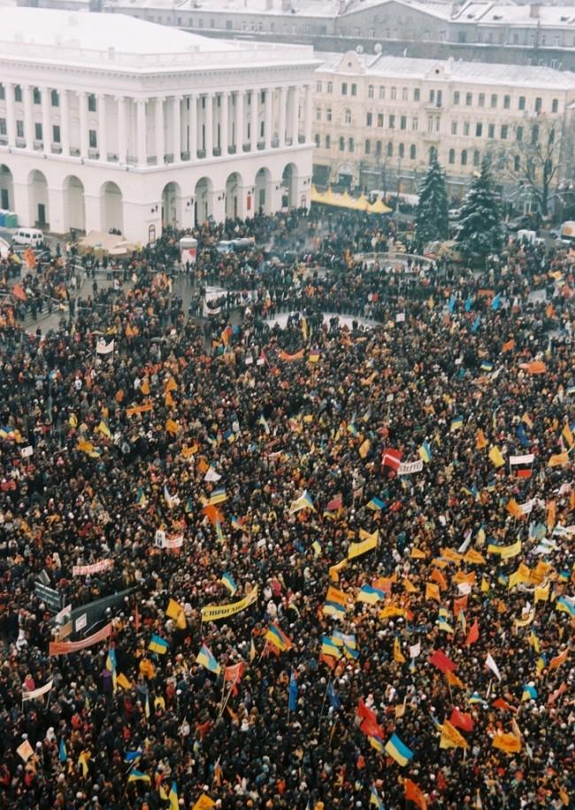 Оранжевая революция в 2004 году на Майдане