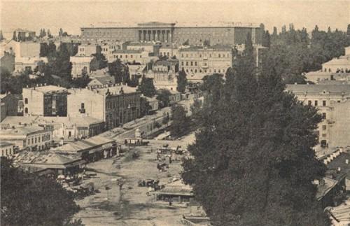 Вид на бульвар Шевченко в 1905 году, в то время Бибиковский