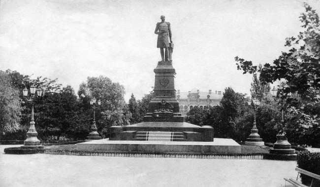 Памятник императору Николаю Первому в 1906 году