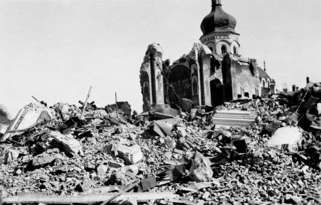 Взорванный Успенский собор в 1941 году