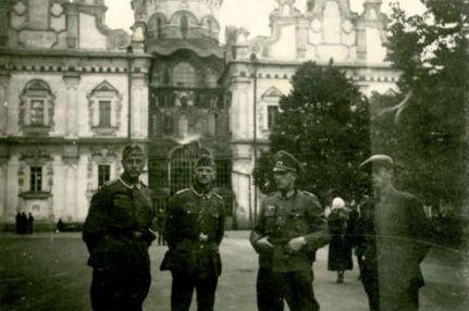 Успенский собор во время войны в 1941 году