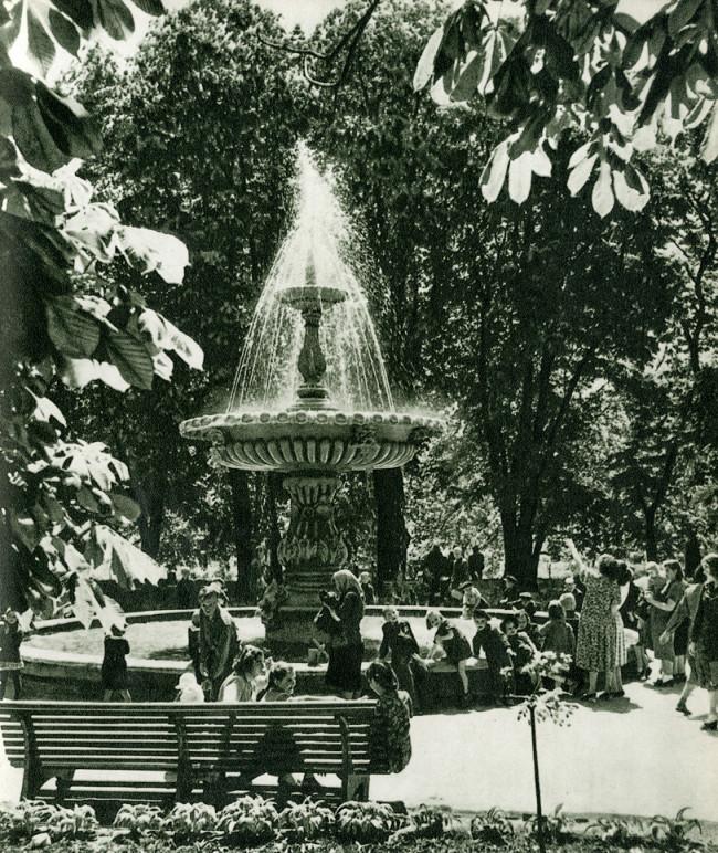 Золотые ворота, фонтан