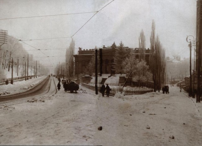 На улице Грушевского зимой в начале 20 века