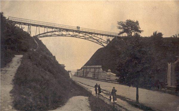 Чертов мост над Петровской аллеей в 20-х годах 20 века