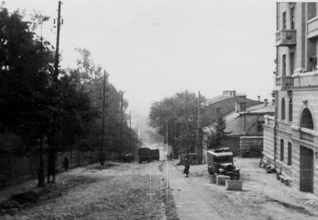 Улица Шелковичная во время войны