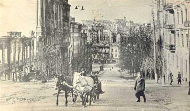 Весна на Лютеранской улице в 1943 году