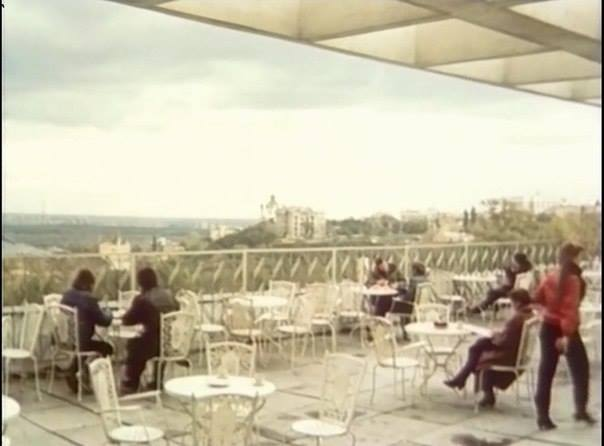 Кафе на крыше на Львовской площади в 86 году