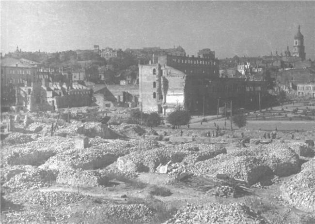 Разрушения Крещатика во Вторую Мировую войну
