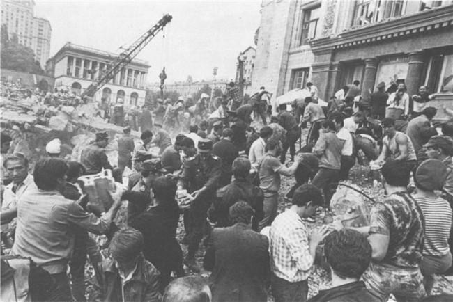 Последствия обрушения Главпочтамта в 1989 году в Киеве