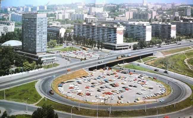 Площадь Дзержинского в 1978 году, ныне Лыбедская