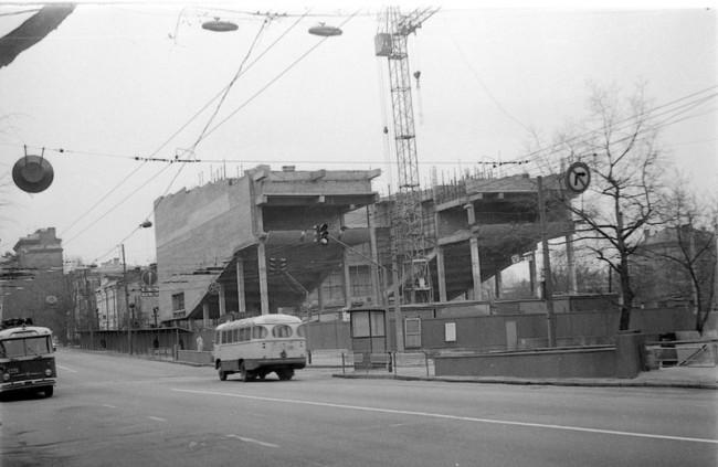 Как строили кинотеатр на Артема в 80-х годах