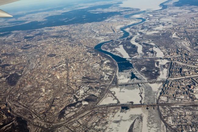 Зимняя панорама Киева, снятая с самолета