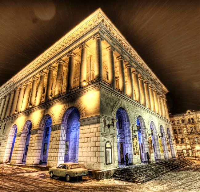 Здание консерватории на площади Независимости