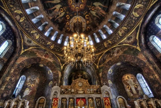 Под куполом киевского храма